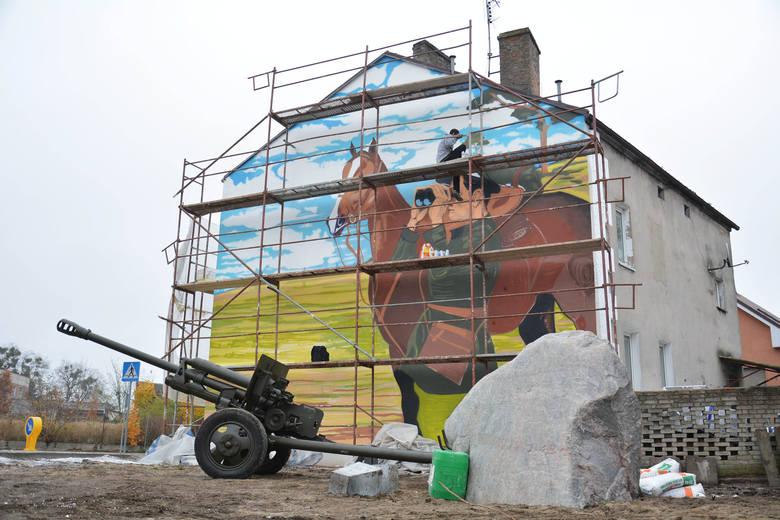 Olbrzymi mural w Witnicy