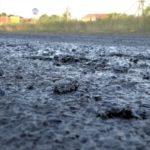 Roztopiony asfalt na obwodnicy Witnicy