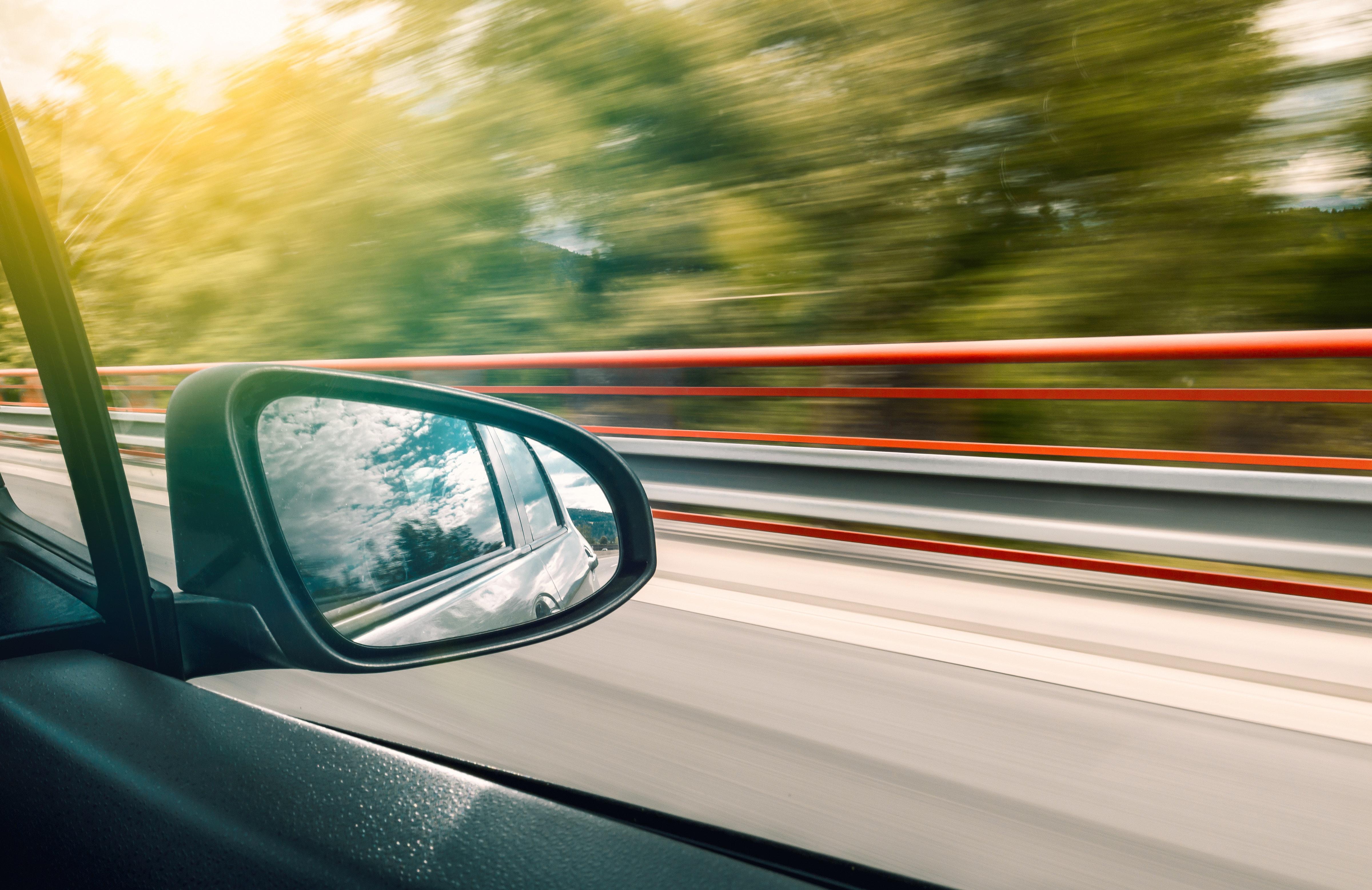 auto-w-trakcie-jazdy