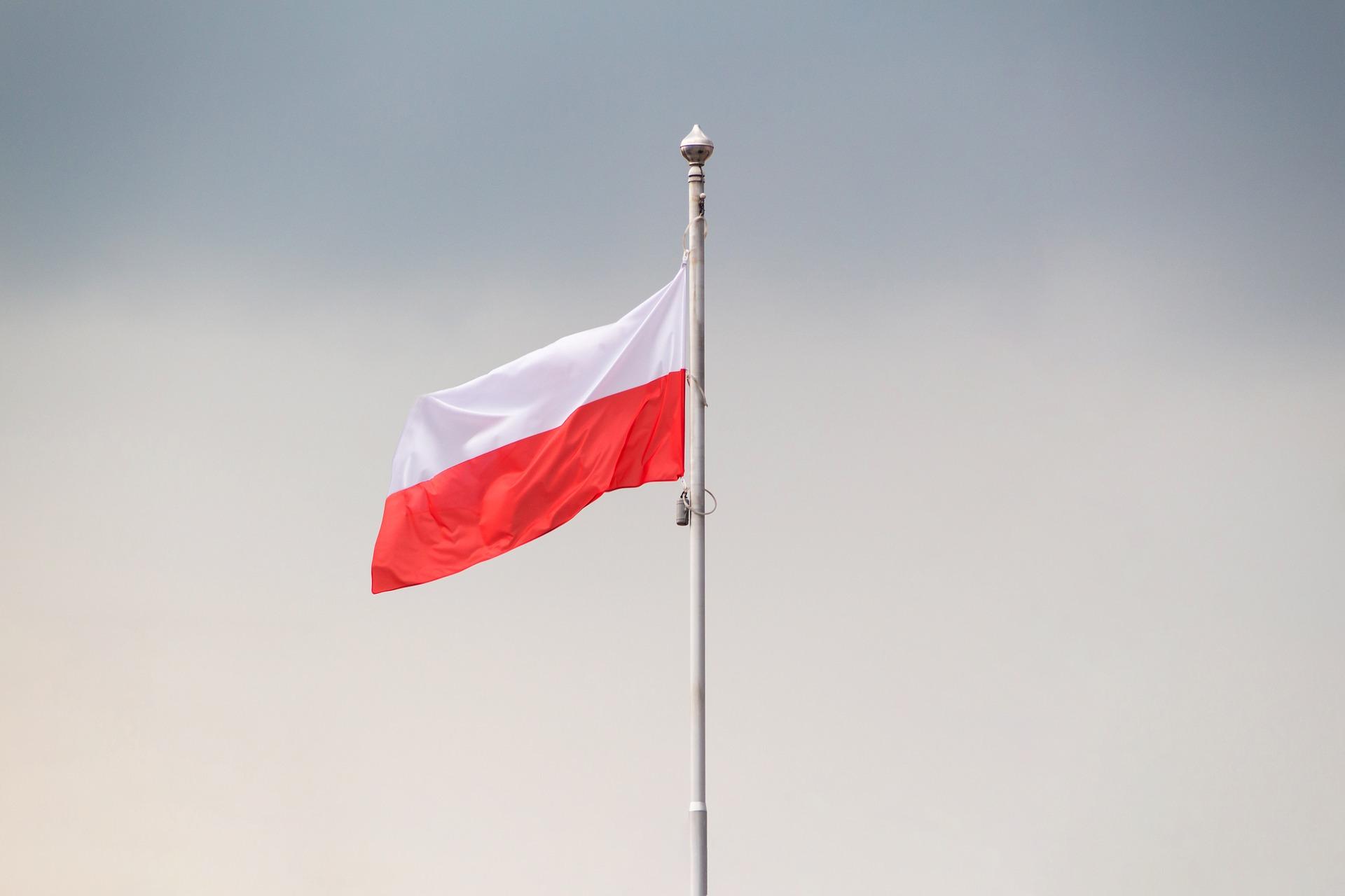 flaga na dzień niepodległości